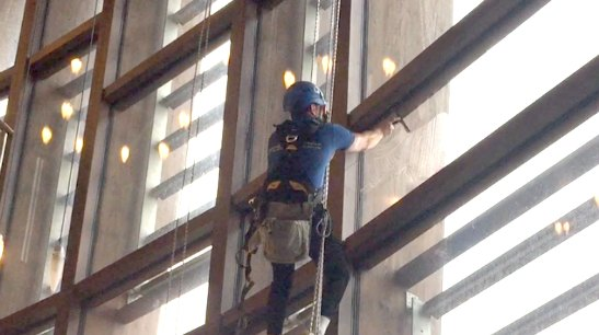 sms-rope-access-commercial-window-cleaner