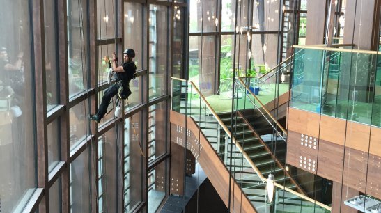 rope-access-window-cleaning-services